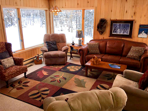 Munising Michigan Area Vacation Homes - Each rental property has its own character, amenities and scenic surroundings.  Our Munising Michigan Vacation Homes are prepared for you with all the comforts and conveniences of home.
